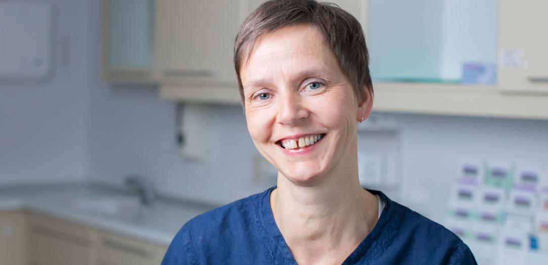 Kjeveortopedisk assistent Sabine Kluge, Tannhelsesenteret